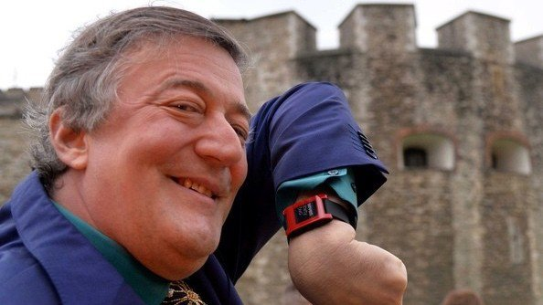 http://alex-z1197.myshop.one/files/celebrity-wearables-stephen-fry-pebble-1423661930-mY0U-column-width-inline.jpg